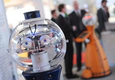 Roboter als Helfer für Senioren