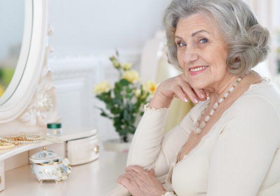 Attraktiv und gepflegt bleiben im Alter